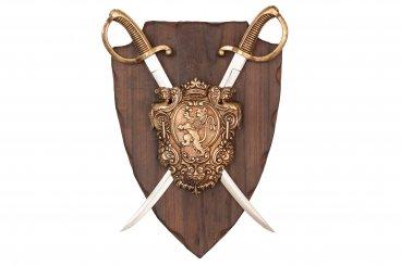Panoplia con escudo de armas y 2 sables